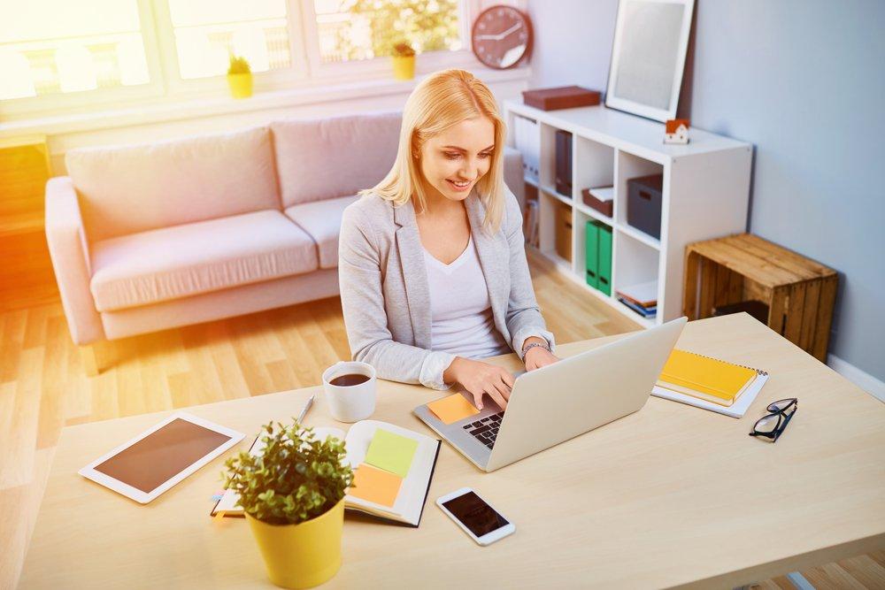 woman working on a side hustle